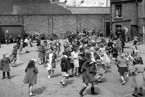 Ngạc nhiên cuộc sống ở thủ đô London thời hậu Thế chiến II