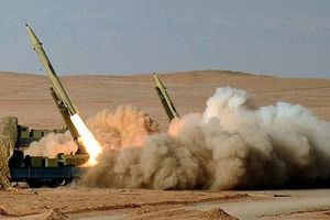 Cảnh báo Mỹ, Iran phóng thử tên lửa đạn đạo đầu tiên của năm 2018