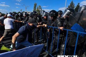 Romania: Đụng độ trong biểu tình chống tham nhũng, 450 người bị thương