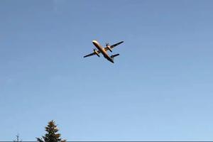 Nghẹt thở khoảnh khắc rượt đuổi máy bay bị đánh cắp ở Mỹ