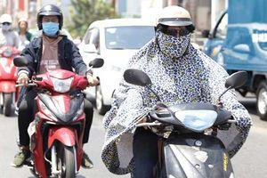 Nắng nóng 35 độ C bủa vây Hà Nội ngày cuối tuần