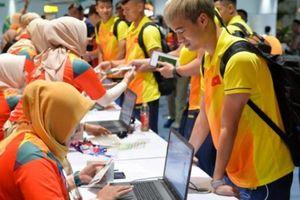 Olympic Việt Nam được người dân Indonesia tiếp đón nồng hậu