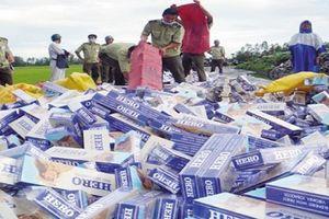 An Giang: Bắt giữ xe tải đông lạnh chở thuốc lá lậu