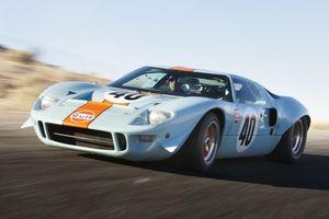 10 mẫu xe thương mại có xuất thân từ xe đua