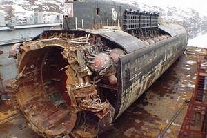 Những hình ảnh thảm khốc vụ tai nạn tàu ngầm Kursk của Nga
