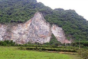 Leo núi phá đá, một công nhân trượt chân ngã tử vong