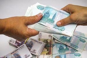 Bộ Tài chính Nga đề xuất giao dịch dầu thô bằng Rúp