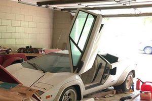 Siêu xe Lamborghini Countach 'cực hiếm' bỏ xó 20 năm