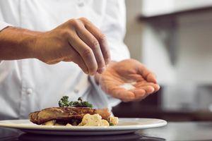 Chiêu 'bẫy' khách hàng của các lớp dạy nấu ăn
