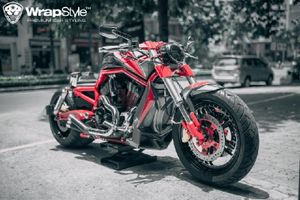 Harley Davidson V-Rod độ lốp khủng được rao bán ở Sài Gòn