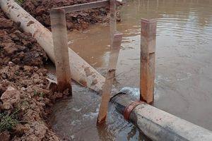 Gãy đường ống dẫn nước, 40.000 hộ dân thủ đô Hà Nội thiếu nước sạch