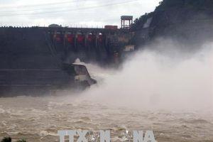 Các địa phương chủ động phòng chống bão số 4, thủy điện Hòa Bình mở 3 cửa xả đáy