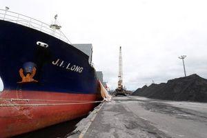 Hàn Quốc cấm 4 tàu vận chuyển than từ Triều Tiên cập cảng
