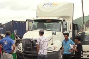 Nam thiếu niên 16 tuổi bị xe container tông tử vong trong bãi xe