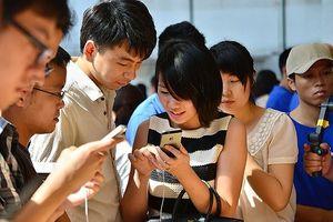 Vung tiền 'ngay và luôn', giới trẻ Trung Quốc nguy cơ kéo đất nước vào khủng hoảng