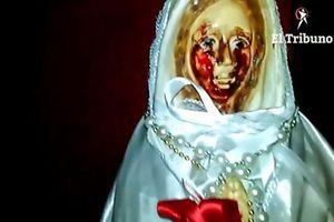 Tượng Đức mẹ Maria bỗng nhiên 'khóc ra máu' ở Argentina