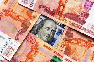 Nga giảm bớt lệ thuộc vào đồng USD, nói 'chưa muốn động đến công ty Mỹ'