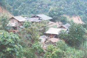 Hơn 5.600 hộ dân miền núi vẫn sinh sống trong vùng nguy cơ sạt lở, lũ quét