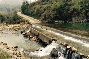Lào Cai: Phân luồng giao thông sửa chữa ngầm Piềng Láo