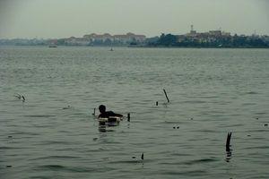Kinh dị chuyện săn quan tài, đồ cổ và những hộp sọ lăn lóc dưới đáy Hồ Tây
