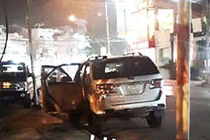 'Đạo chích' táo tợn đập kính ô tô trộm đồ trước trụ sở Thị ủy