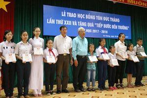 LĐLĐ An Giang: Trao trên 170 suất học bổng Tôn Đức Thắng