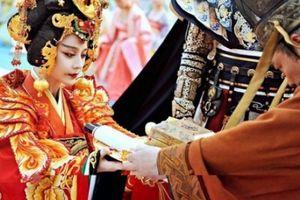 Hoàng đế Trung Hoa chọn người để ân ái bằng cách nào?