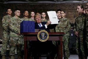 Tổng thống Trump ký đạo luật quốc phòng để 'tái thiết quân đội ở mức chưa từng có'