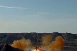 Iran trình làng tên lửa đạn đạo Fateh Mobin lúc 'nước sôi lửa bỏng'