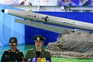 Iran 'khoe' tên lửa đạn đạo mới, tránh mọi radar, tấn công cực chuẩn