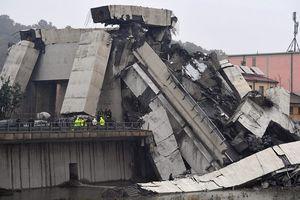 Hiện trường vụ sập cầu kinh hoàng trên đường cao tốc ở Italy