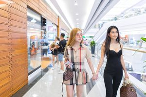 Á khôi Việt lần đầu lên tiếng về tin đồn yêu đồng tính với nữ diễn viên phim khiêu dâm Thái Lan