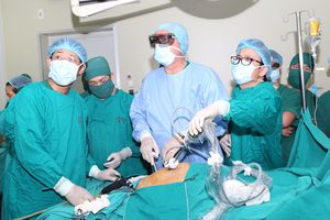 Mời chuyên gia hàng đầu thế giới về phẫu thuật nội soi tiêu hóa