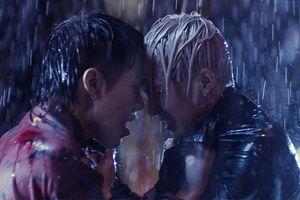 Toki - Cody (Uni5) ẩu đả nhưng fan lại chỉ nhìn thấy… cảnh 'đam mỹ' quá lãng mạn dưới cơn mưa
