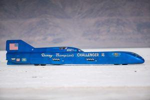 Xe cũ 50 năm tuổi chạy tốc độ kỷ lục 725 km/h