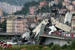 Italy: Sập cầu cạn, hàng chục người thương vong