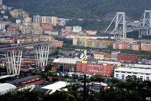 Sập cầu kinh hoàng ở Italy, ít nhất 35 người chết
