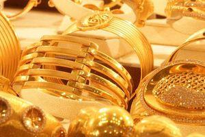 Giá vàng giảm phiên thứ 3, chênh lệch với thế giới vẫn trên 3,2 triệu đồng/lượng