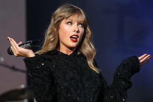 Dồn hết tiền gặp Taylor Swift tại Reputation Tour, Swifties… quên béng luôn vote giải cho nàng ư?