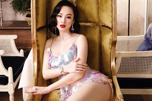 Tóc xoăn cổ điển nhưng Angela Phương Trinh lại mặc váy kiệm vải hết cỡ khoe vóc dáng nóng bỏng