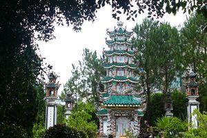 Chùa Linh Sơn (Đà Lạt): Điểm đến của tâm linh, và sự hài hòa thiên nhiên