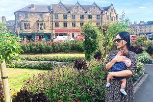 Lan Phương đưa con gái về Anh thăm nhà chồng