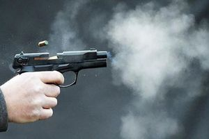 Nổ súng kinh hoàng trong đêm, 3 người trúng đạn trọng thương