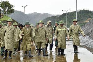Phó Thủ tướng: Không chủ quan, sẵn sàng ứng phó bão số 4