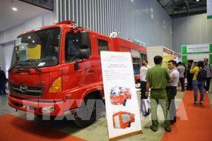 Nhiều công nghệ hiện đại góp mặt tại triển lãm quốc tế về phòng cháy chữa cháy