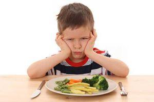 Bé 6 tuổi mà vẫn biếng ăn – mẹ phải làm sao?
