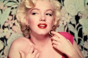 Cảnh nude đầu tiên của Marilyn Monroe được tìm thấy