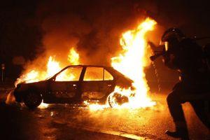 Phóng hỏa đốt 100 ôtô trong đêm ở Thụy Điển