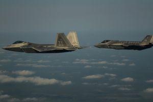 Bí ẩn kết quả trận không chiến giữa F-22 và F-35