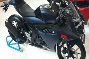 2018 Suzuki GSX-R150 ra màu mới, bủa vây Yamaha R15